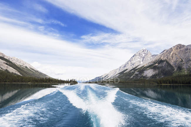 Canada, Alberta, Jasper National Park, Maligne Mountain, Maligne Lake — Stock Photo