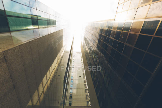 Singapore, Skyscrapers, low angle view — Stock Photo