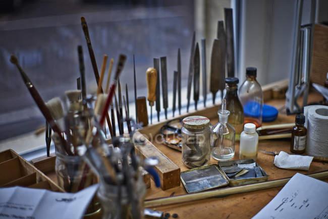 Інструменти скрипка maker майстерня — стокове фото