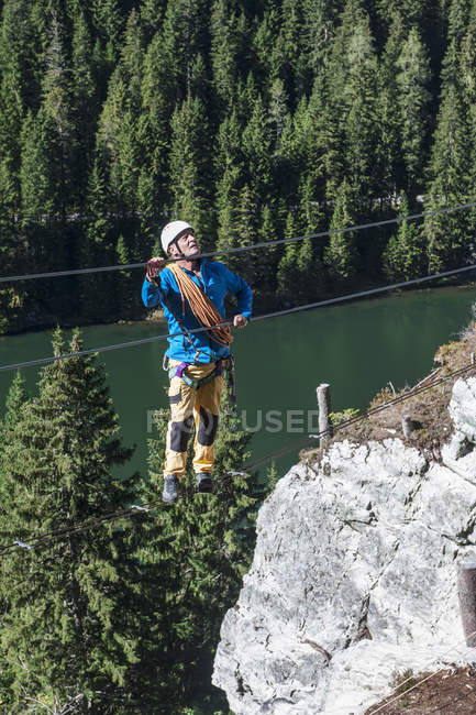 Austria, Salzburg State, Altenmarkt-Zauchensee, man at via ferrata — стокове фото
