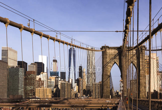 Vista de Brooklyn Bridge in morning time, Manhattan, Nova Iorque, Estados Unidos da América — Fotografia de Stock