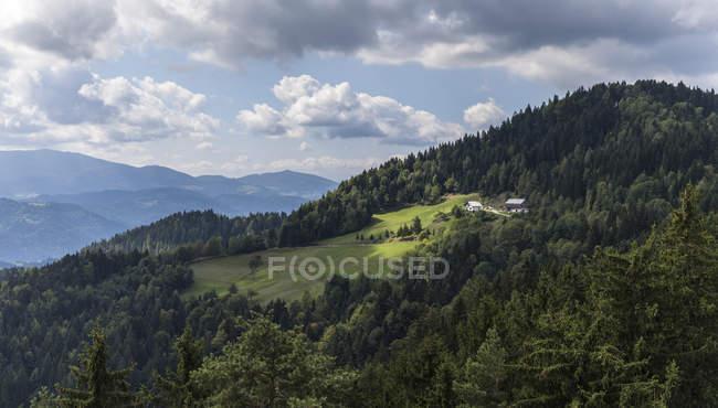 Blick vom österreichischen Grenze nach Slowenien tagsüber — Stockfoto
