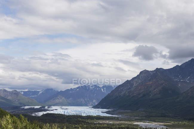Estados Unidos, Alaska, vista de montañas de Chugach, glaciar de Matanuska - foto de stock
