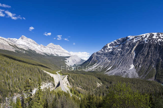 Canada, Alberta, Banff National Park, Icefields Parkway, Cirrus Mountain — Stock Photo