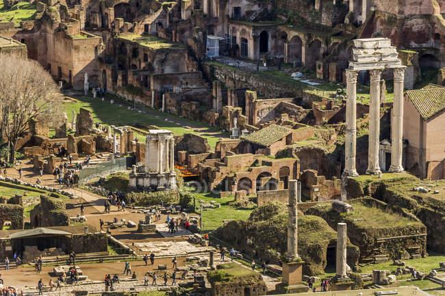 Itália, Roma, Fórum Romanum durante o dia — Fotografia de Stock