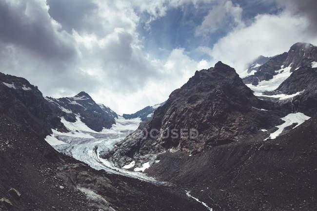 Италия, Ломбардия, ледник рядом с Кьяреджо в Вальмаленко — стоковое фото