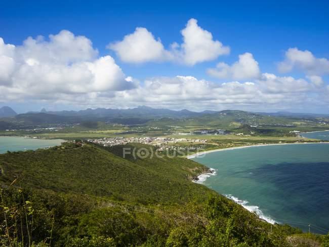 Caribbean, Lesser Antilles, Sainte Lucie, vue sur la réserve naturelle de Savannes Bay près de Vieux-Fort — Photo de stock