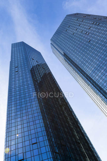 Bottom view of facades of Deutsche Bank skyscrapers, Frankfurt, Germany — Stock Photo
