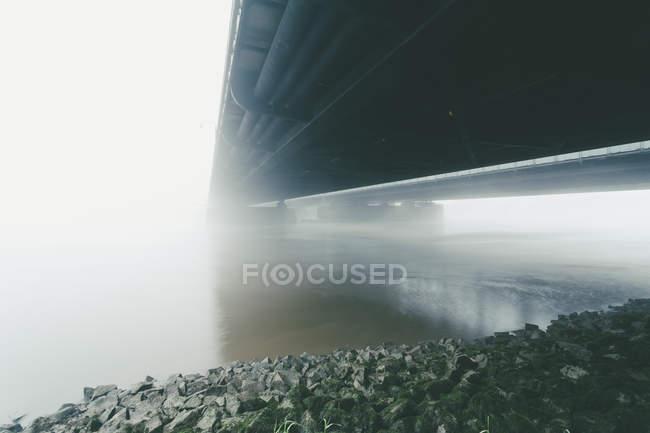 Allemagne, Hambourg, Freihafenelbbruecke, brume matinale — Photo de stock