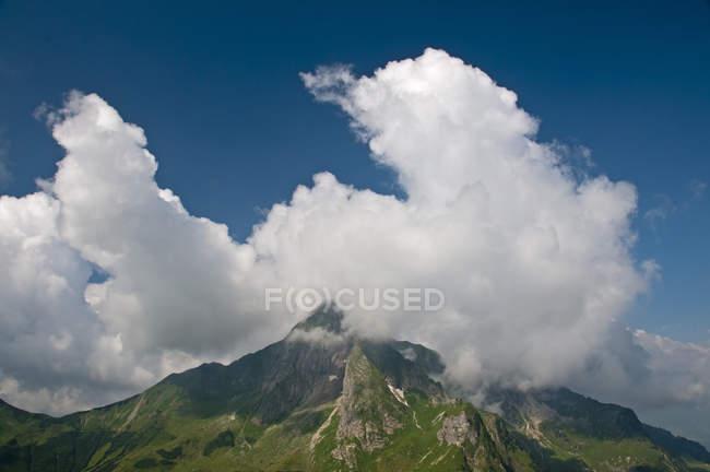 Alemanha, Bavaria, Allgaeu, Alpes Allgaeu, lado leste da Hoefats durante o dia — Fotografia de Stock