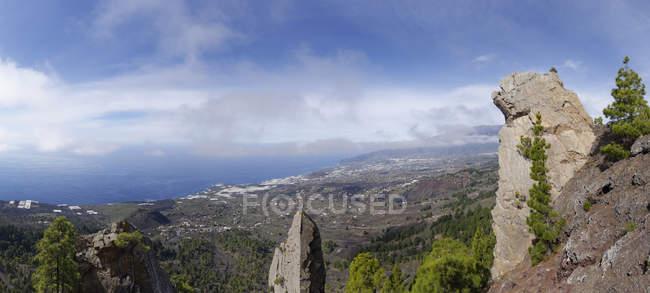 Spanien, Kanarische Inseln, Blick über das Aridanetal, rockt am Vulkan Tajuya — Stockfoto