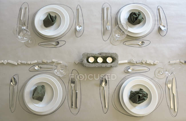 Mesa festiva con decoración de mesa individual - foto de stock