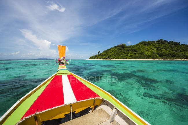 Thailand, Koh Phi Phi Don, Boat trip to an island — Stock Photo