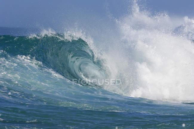 USA, Hawaii, Oahu, Welle am Nordufer — Stockfoto