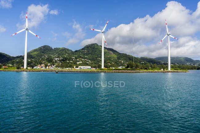 Сейшелы, Маэ, Виктория, ветровых турбин — стоковое фото