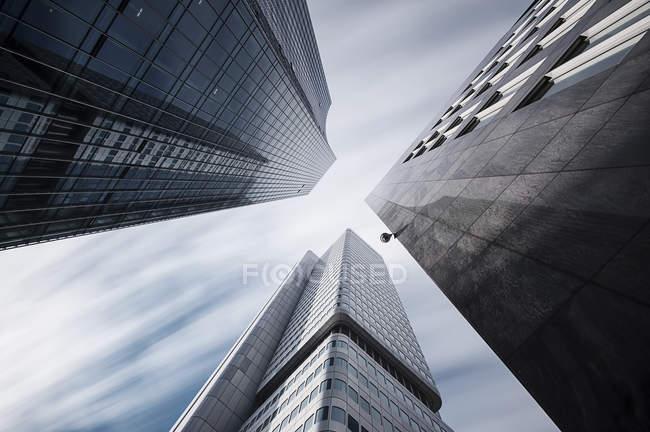 Germania, Assia, Francoforte, grattacieli Skyper e Silver Tower, lunga esposizione — Foto stock