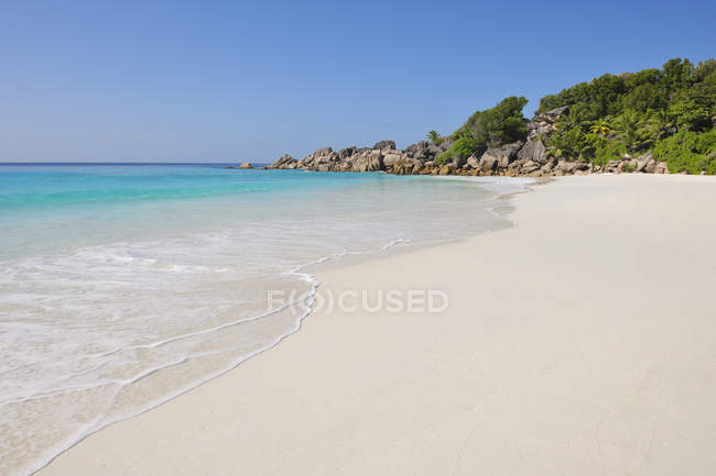 Seychelles, La Digue, view to Petit Anse  Beach — Fotografia de Stock
