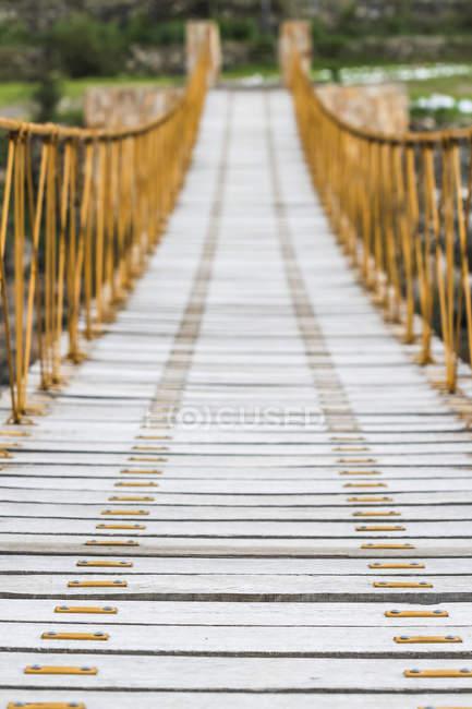 L'Amérique du Sud, le Canyon de Colca, pont sur la rivière Colca — Photo de stock