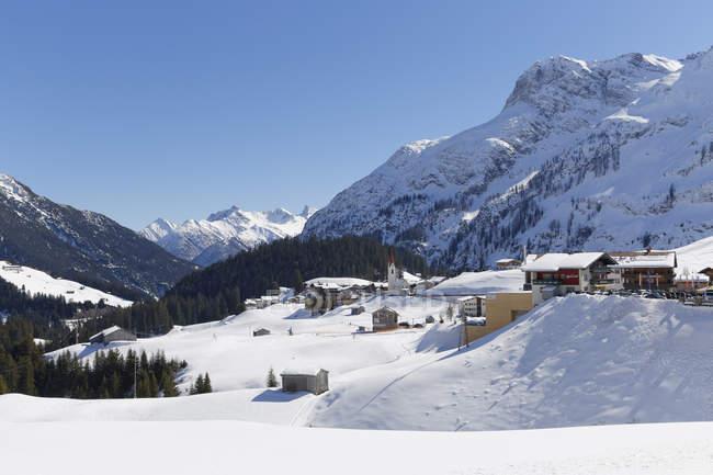 Австрії, Форарльберг, Bregenz лісу, Warth та вид на схилах снігом — стокове фото