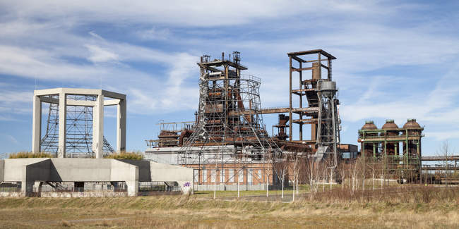 Germany, North Rhine-Westphalia, Dortmund-Hoerde, Phoenix West, abandoned blast furnace steelmill — Stock Photo