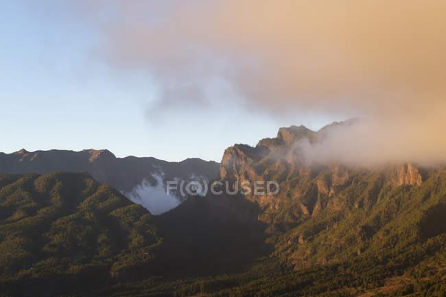 Spanien, Kanarische Inseln, La Palma, Caldera de Taburiente am Abend — Stockfoto