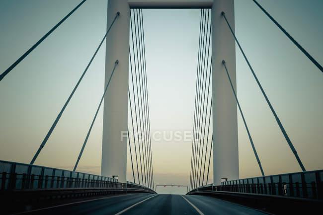 Germania, Meclemburgo-Pomerania occidentale, ponte Ruegen all'alba — Foto stock
