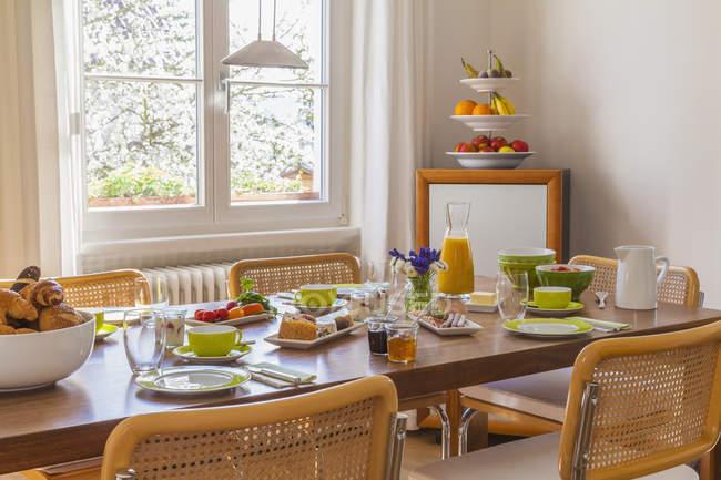 Німеччина, Баден-Вюртемберг, Штутгарт, заклав сніданком — стокове фото