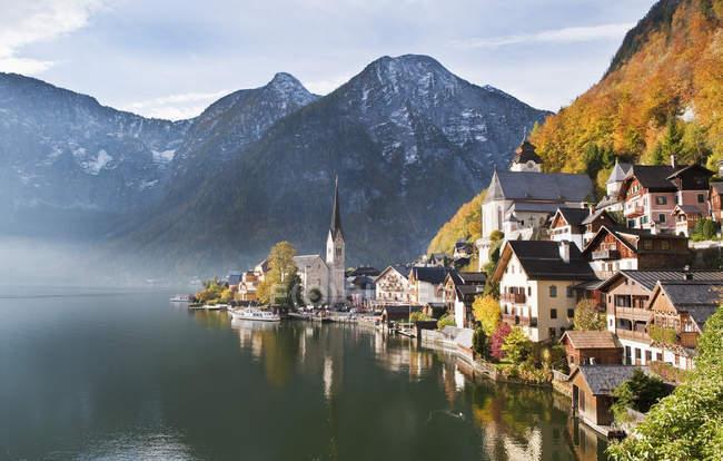 Vista del lago Hallstaetter ver, alta Austria, Austria - foto de stock