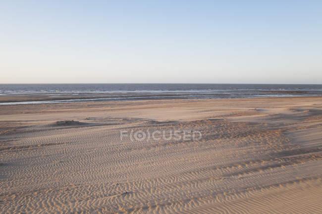 Бельгія, Фландрії, вид на пляж в сутінках — стокове фото