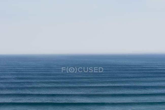 Portogallo, Algarve, Sagre, Veduta dell'oceano Atlantico con onde — Foto stock