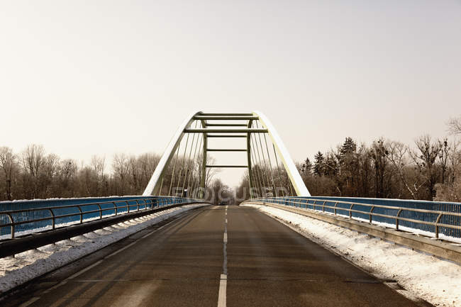 Empty bridge in winter — Stock Photo