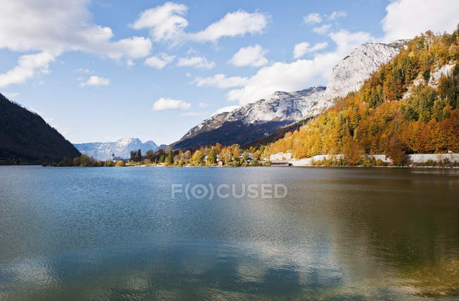 Scenic view of Lake Grundlsee with mountains at daylight, Styria, Austria, — Stock Photo