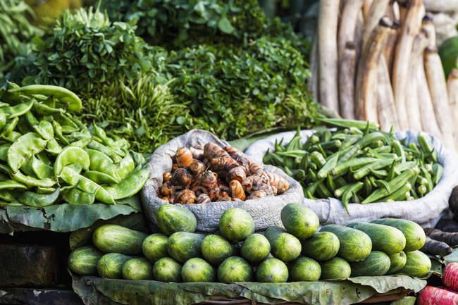 India, Uttarakhand, Haridwar, Various vegetables in market — Stock Photo