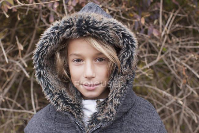 Ragazzo con la pelliccia — Foto stock