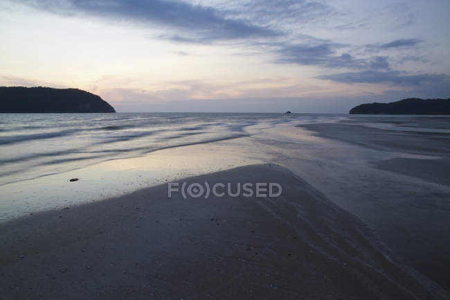 Thailand, View of beach at sunrise — Stock Photo