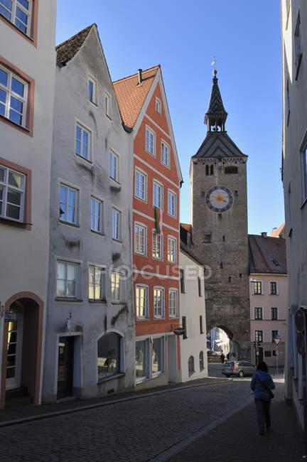 Frau läuft in Landsberg am Lech — Stockfoto