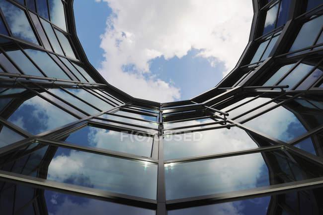 Alemania, Múnich, Vista del edificio de oficinas - foto de stock