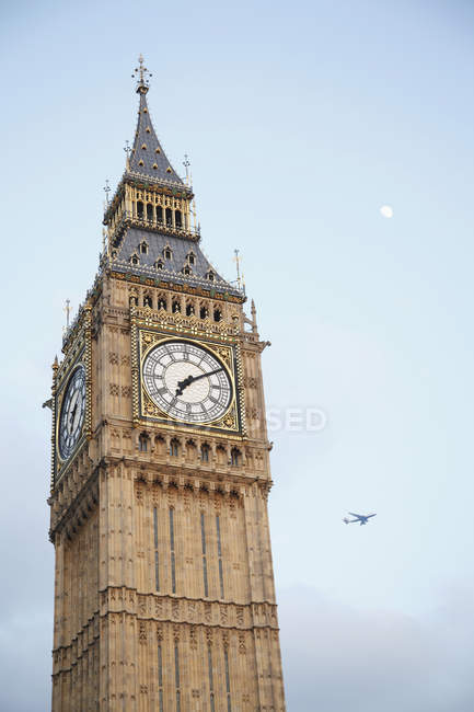 Англія, Лондон, перегляд Біг-Бен вежі проти неба — стокове фото