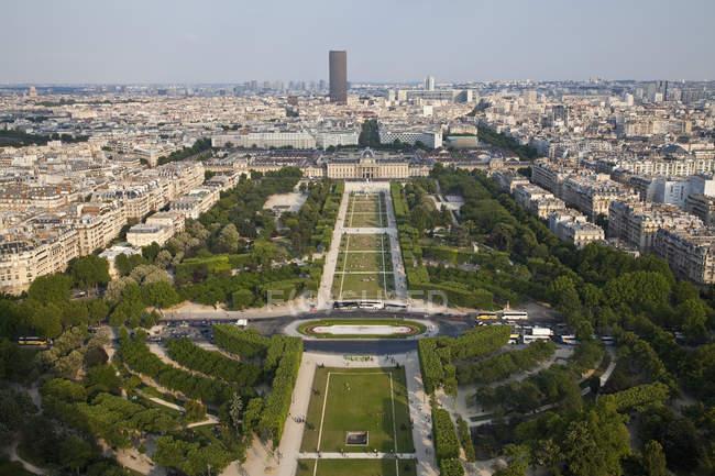 Frankreich, Paris, Blick auf Stadt mit Champ de Mars tagsüber — Stockfoto