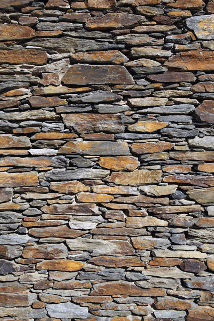 Parede de pedra Shabby, quadro completo — Fotografia de Stock
