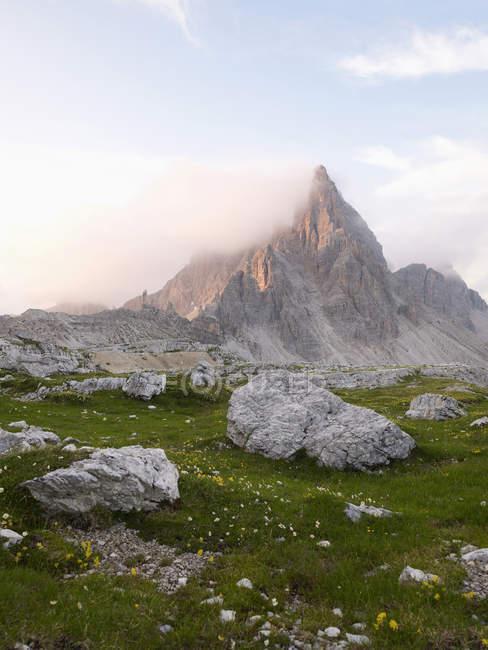 Вид на гору Патернкок в Национальном парке Сесто-Домики Италия, Европа — стоковое фото