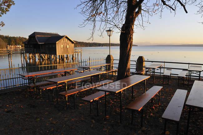 Germany, Bavaria, Stegen, Vacant beer garden in fall — Stock Photo