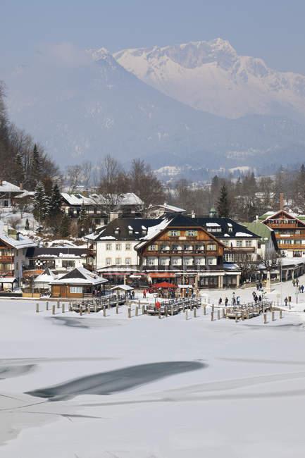 Вид на деревню с Баварские Альпы, Германия, Бавария, Кёнигсзее — стоковое фото