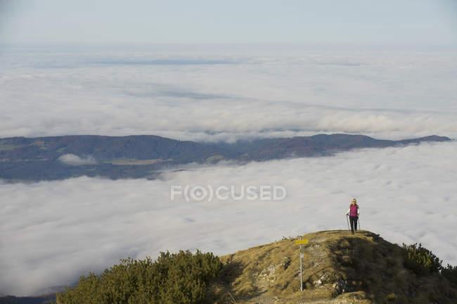 Germany, Bavaria, Walchesee Region, Hiker on mountain — Stock Photo