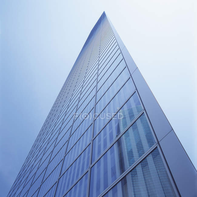 Japan, Tokio, View of Shiodome high rise against sky — Stock Photo