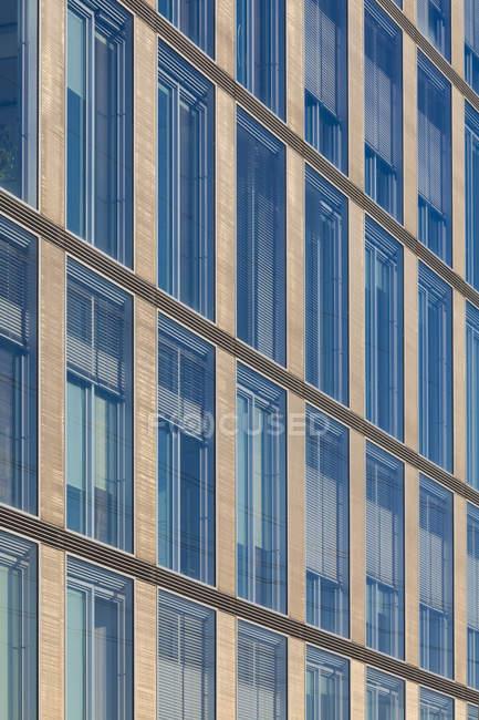Alemanha, Baden Wuerttemberg, Estugarda, Vista do edifício de escritórios moderno — Fotografia de Stock