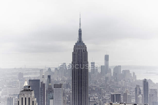 USA, New York, Empire State Building and skyline — Stock Photo