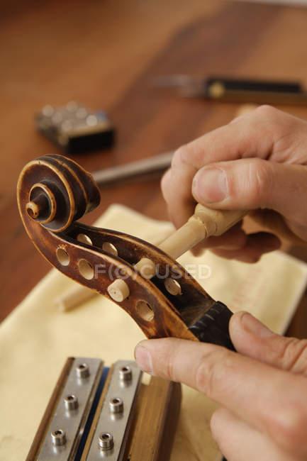 Ремесленник для скрипки — стоковое фото
