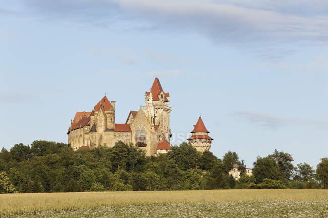 Burg Kreuzenstein außen — Stockfoto