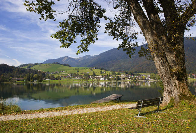 Thiersee Lake with town — Stock Photo